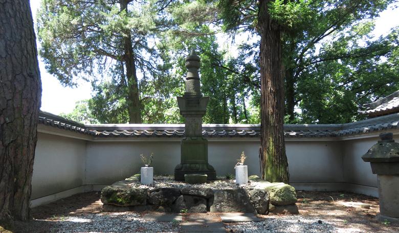 housenji-komatsuhime-bosho