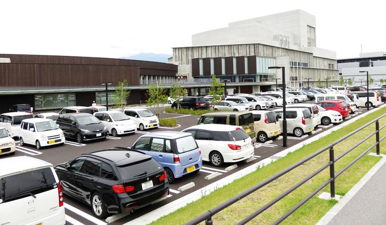 santomyuze-parking
